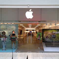 Photo taken at Apple Store, Freehold Raceway Mall by Richard Z. on 8/10/2012