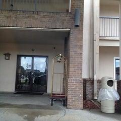 Photo taken at Quality Inn by Allen W. on 6/10/2012