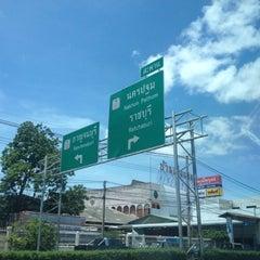 Photo taken at สะพานข้ามทางรถไฟ บ้านโป่ง by พอดีพอดี ด. on 8/22/2012