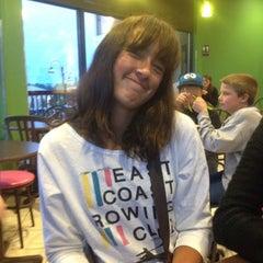 Photo taken at Lulu's Frozen Yogurt by Elisa W. on 5/13/2012