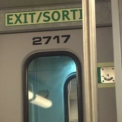 Photo taken at GO Train - Lakeshore West by Fábio F. on 5/4/2012
