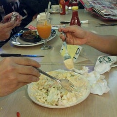 Photo taken at Sizzler American Grill - Plaza Semanggi by Jhony Z. on 8/2/2012