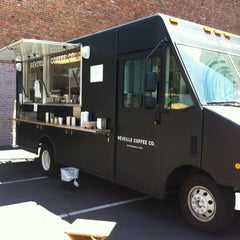 Photo taken at Réveille Coffee Co. Truck by Riko O. on 7/18/2012