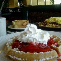 Photo taken at Sophia's House of Pancakes by Dennis J. on 6/5/2012