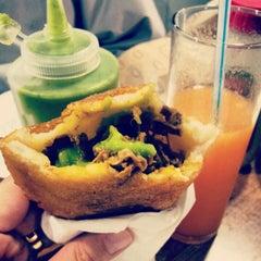 Photo taken at Antojos Araguaney Gourmet by Lidya E. on 4/18/2012