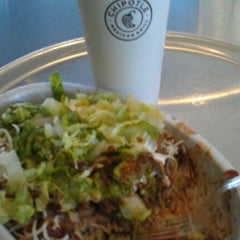Photo taken at Chipotle Mexican Grill by Javier R. on 2/23/2012