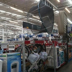 Photo taken at Sam's Club by Uc M. on 8/5/2012
