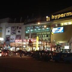Photo taken at hypermart by Kongleaphy K. on 3/14/2012