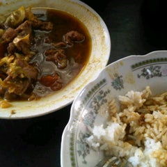 "Photo taken at Sate, Tongseng, dan Gule Kambing ""Pak Gito"" by wardiman t-shatsu on 7/6/2012"