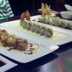 Photo taken at Samurai Japanese Cuisine Sushi Bar & Grill by Sindi H. on 3/16/2012