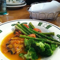 Photo taken at Olive Garden by Jessica P. on 6/12/2012