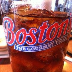 Photo taken at Boston's Restaurant & Sports Bar by Juan L. on 6/27/2012