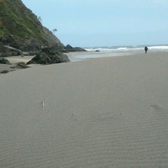 Photo taken at Playa de Barayo by Fátima R. on 5/13/2012