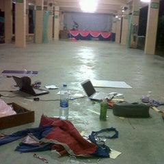 Photo taken at โรงเรียนตัสดีกียะห์ by Anis S. on 8/26/2012
