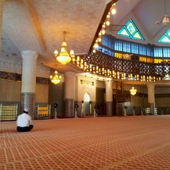 Photo taken at Masjid Negara (National Mosque) by Termizi S. on 4/21/2012