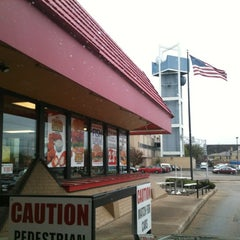 Photo taken at Hardee's by Malcolm O. on 4/20/2012