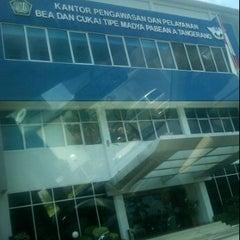 Photo taken at KPP Bea dan Cukai Tipe Madya Pabean Tangerang by Gin-Gin S. on 2/7/2012