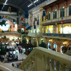 Photo taken at Mercato Mall مركز ميركاتو by Binkhadash on 7/10/2012