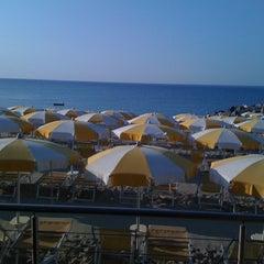 Photo taken at Bagni Acqua Limpida by MAXCICCIO on 8/11/2012