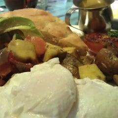 Photo taken at Ben Gusto Cafe & Gelato by Heidi A. on 7/8/2012