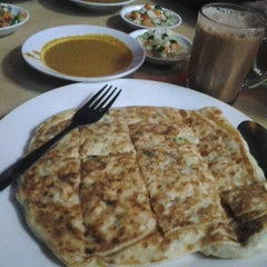 Photo taken at Maharaja Curry House by Runie S. on 8/18/2012