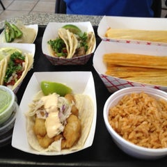 Photo taken at Tacos Atoyac by Kelly S. on 8/11/2012