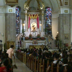 Photo taken at Minor Basilica of the Black Nazarene (Quiapo Church) by Christopher G. on 9/1/2012