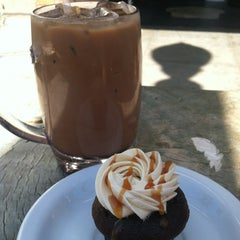 Photo taken at Cups Organic Cupcakes by Victoria C. on 7/28/2012