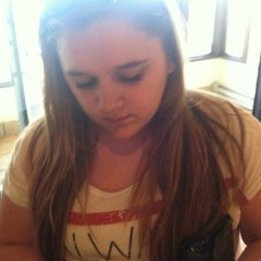Photo taken at Olive Garden by Stevie D. on 4/7/2012
