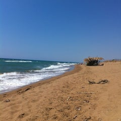 Photo taken at Παραλία Θολού (Tholo Beach) by Bill K. on 8/13/2012