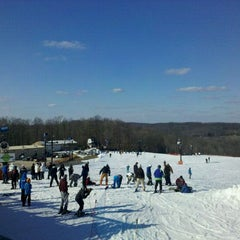 Photo taken at Paoli Peaks - Ski, Ride, Tube by Jay L. on 2/25/2012