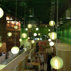 Photo taken at Edamame Sushi & Grill by Rachel L. on 5/25/2012