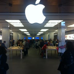 Photo taken at Apple Store, La Maquinista by George K. on 4/4/2012
