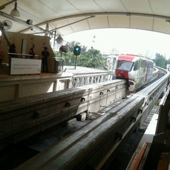 Photo taken at RapidKL Imbi (MR5) Monorail Station by adzmierz k. on 6/10/2012