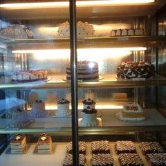 Photo taken at 7 Treasures Asian Cuisine by Maria Teresa D. on 7/16/2012
