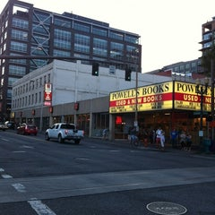 Photo taken at Powell's City of Books by Jeffery D. on 7/14/2012