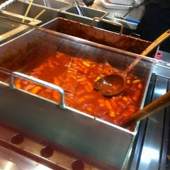 Photo taken at 죠스떡볶이 Jaws Food by Yong K. on 4/6/2012