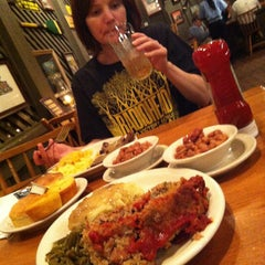 Photo taken at Cracker Barrel Old Country Store by Ryan on 8/23/2012