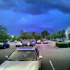 Photo taken at Pizza Schmizza - Hillsboro Airport by Benjamin M. on 6/24/2012