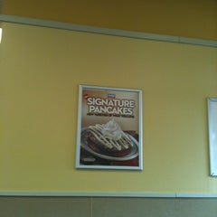 Photo taken at IHOP by Alice L. on 7/22/2012