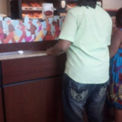 Photo taken at Dunkin' Donuts by Reinaldo D. on 9/1/2012