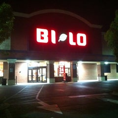 Photo taken at Bi-Lo by Pee A. on 3/24/2012