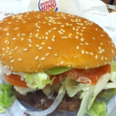 Photo taken at BURGER KING 品川シーサイドフォレスト店 by 💖💫Nancy💫💖 on 5/3/2012