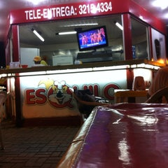 Photo taken at Esquilo Sanduiches BurgerMaxx by Valdemar S. on 3/18/2012