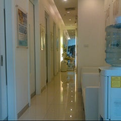Photo taken at ธนพรคลินิก (Tanaporn Clinic) by Ponn P. on 3/28/2012