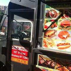Photo taken at Hamed's Halal Food by Zac G. on 6/23/2012