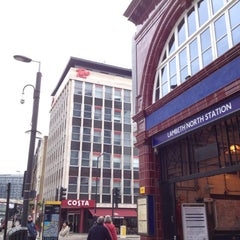 Photo taken at Tune Hotels Westminster by Pentor P. on 5/3/2012