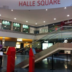 Photo taken at Arndale Shopping Centre by Hernan G. on 8/4/2012