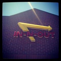Photo taken at In-N-Out Burger by Joseph Y. on 5/24/2012