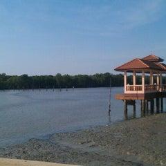 Photo taken at Kuala Gula Sanctuary Resort by Nazura J. on 6/4/2012